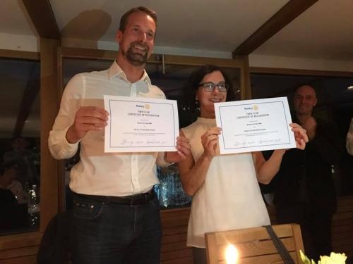 Alexander Zumdieck (ReC Berlin Global) und Sabine Ihringer (ReC2000) mit den Twinning Urkunden
