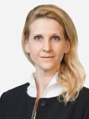 Nicole Longhi (Secretary)