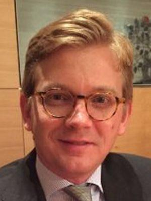 Alexander Oelke (Past-President)